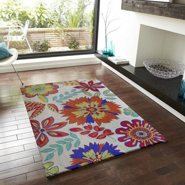 Bright Outdoor Area Rugs: Bright Floral Outdoor Rug (5' X 7')
