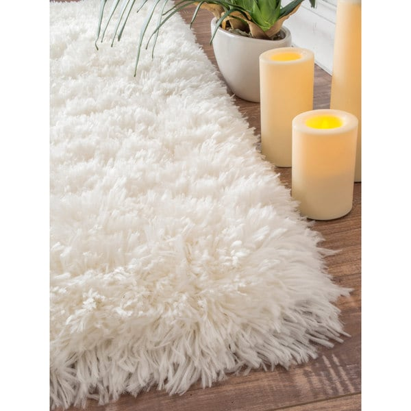 NuLOOM Solid Soft And Plush White/ Grey Shag Rug (5' X 8