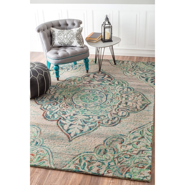 Nuloom Handmade Country Floral Medallion Green Rug 5 X 8