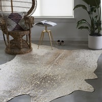 Alexander Home Clayton Pewter/Gold Faux-cowhide Area Rug (3'10 x 5')