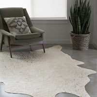 Alexander Home Clayton Ivory/ Champagne Faux Cowhide Area Rug - 5' x 6' 6