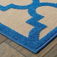 Quatrafoil Lattice Sand/ Blue Indoor/Outdoor Rug - 2'3 X 7'6