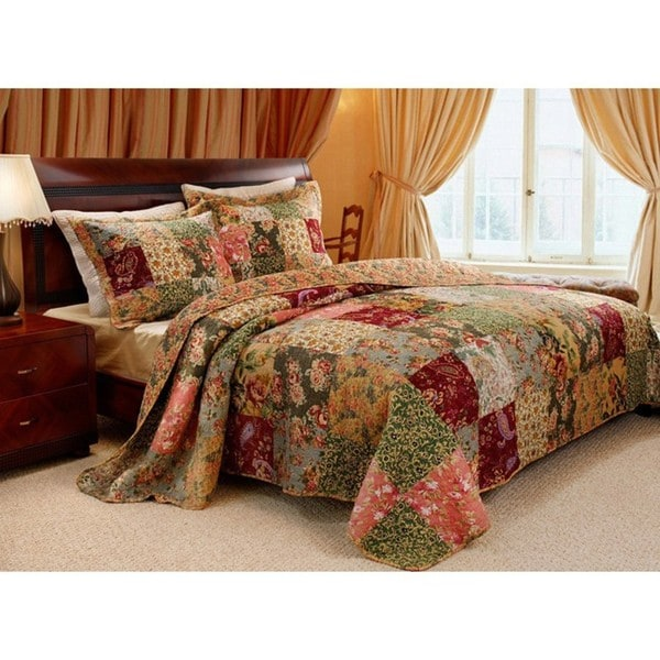 Antique Chic King Size 3 Piece Quilt Set Overstock