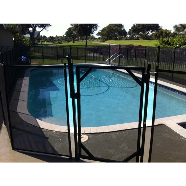 Water Warden Self Closing Pool Safety Gate 11305503