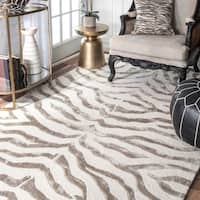 nuLoom New Zealand Silver/Black/Brown Faux Silk, Wool, and Viscose Zebra Rug (7'6 x 9'6)