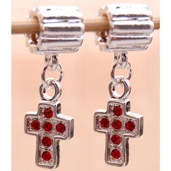 Handmade Silverplated Red Rhinestone Cross Charm Beads (Set of 2) (United States)