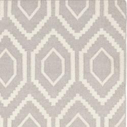 Safavieh Moroccan Reversible Dhurrie Grey Ivory Indoor