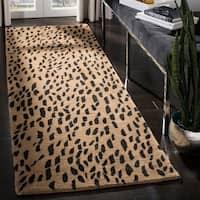 Safavieh Handmade Soho Beige/ Brown Wool Rug - 2'6 x 6'
