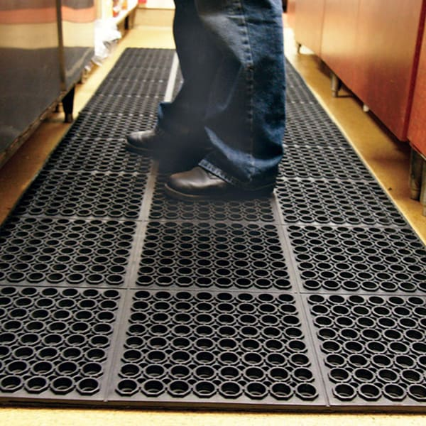 Rubber Kitchen Mats: Rubber-Cal Dura-Chef Non-slip Rubber Kitchen Mat (3'2 X 4