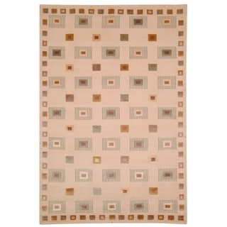 Safavieh Hand Knotted Contemporary Tibetan Ivory Wool Rug