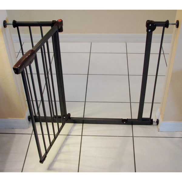 Crown Auto Close Pressure Mounted Pet Gate 15955530