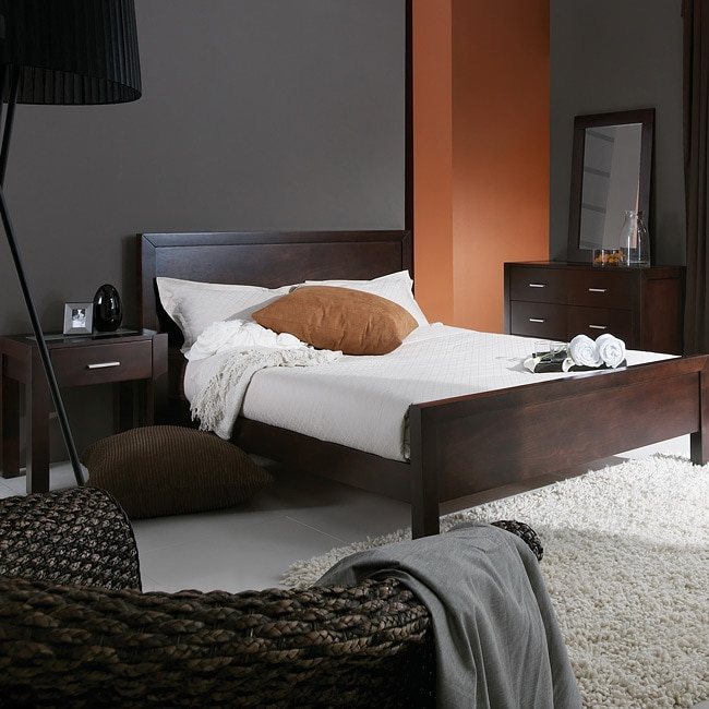 Charles Modern Dark Brown Wood Queen 4-piece Bedroom Set