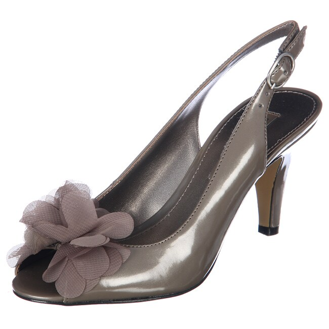 Bandolino Women's 'Airkiss' Taupe Slingback Pumps