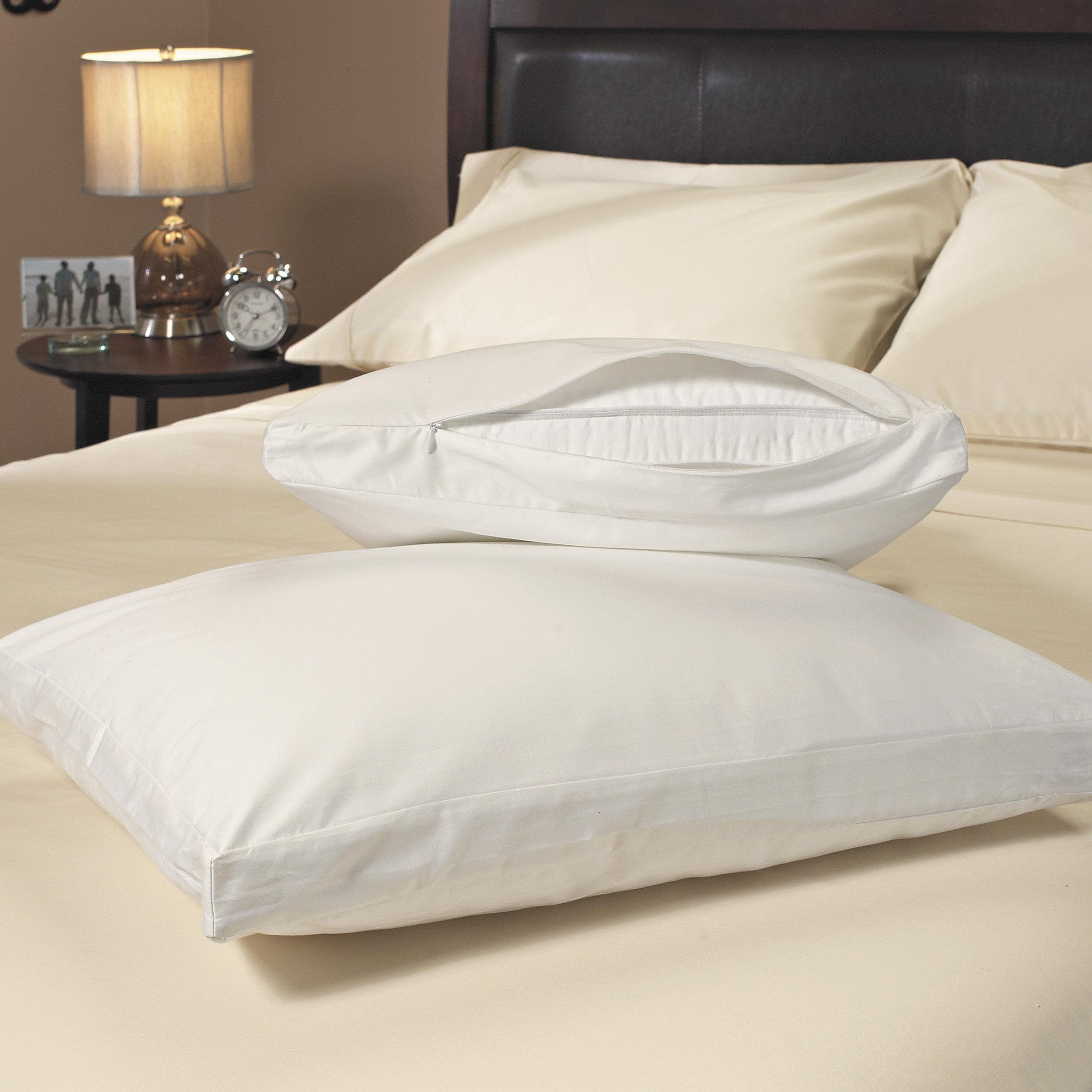 Stain Resistant 300 Thread Count Gusseted Zip Pillow