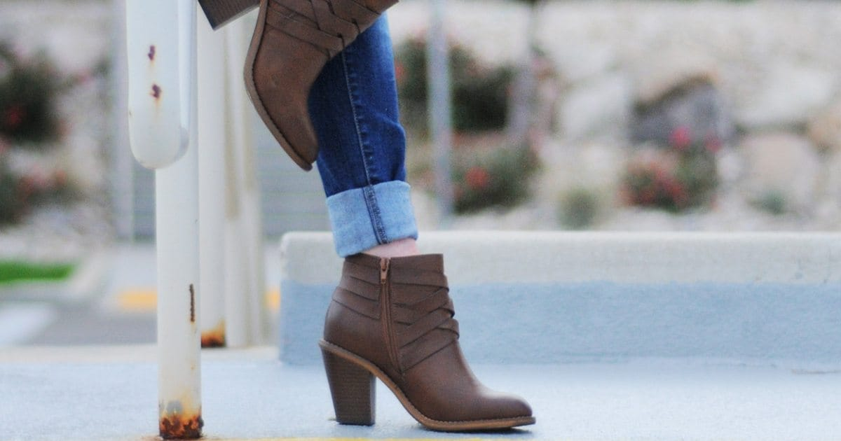 4d22ef92101b Best Boots for Petite Women - Overstock.com