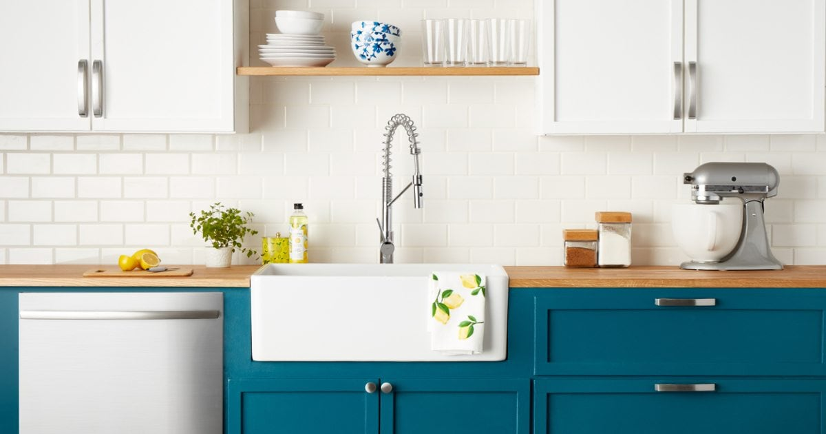 How to Choose Cabinet Handles for Your Kitchen - Overstock com
